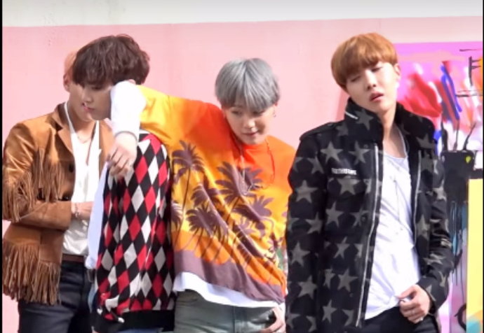 [BANGTAN BOMB] 'FIRE' MV Shooting – Ângulo do SUGA
