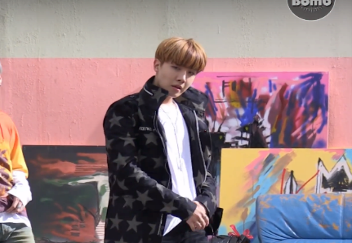 [BANGTAN BOMB] 'FIRE' MV Shooting – Ângulo do J-Hope