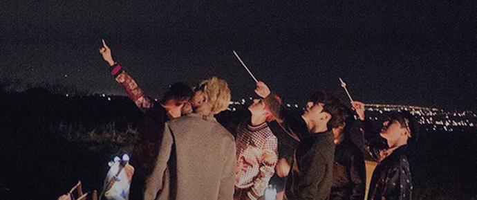 """Veja o BTS celebrar a sua vitória no """"Music Bank"""" se divertindo com os fãs em novo vídeo"""