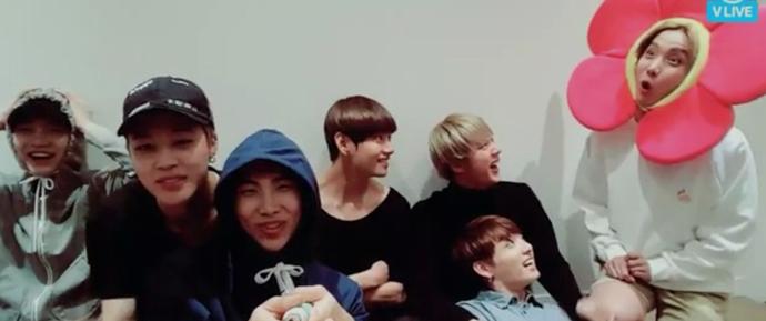 [VÍDEO] 14.09.16 – V App – BTS Live (Saudações pelo Chuseok)