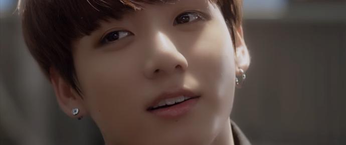 🎥 JungKook para Seu mais brilhante momento BOG SOCK X BTS: Issue 6