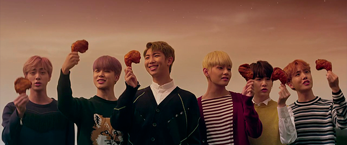 🎥 BBQ Chicken posta vídeo com o BTS