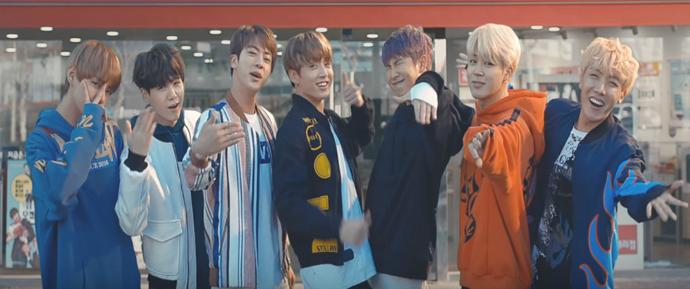 BTS leva estudantes à loucura no novo comercial da SK Telecom