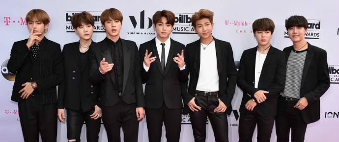 📷 BTS @ Red Carpet do Billboard Music Awards 2017