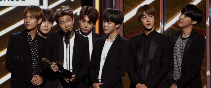 Maiores que o Bieber? BTS supera grandes artistas da música e vence o Billboard Music Award