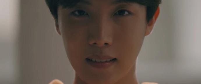 """[NEWS] O momento do primeiro teaser de """"Love Yourself"""" do BTS vai derrubar você"""
