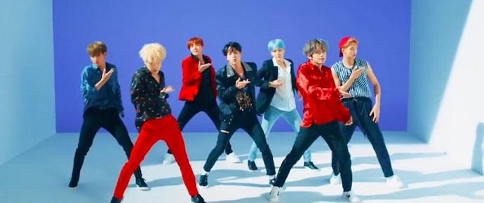 """BTS diz que coreografia de """"DNA"""" é a mais difícil até agora"""