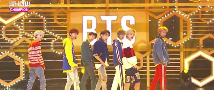 """🎥 BTS """"DNA"""" @ Show Champion"""