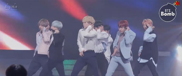 """[BANGTAN BOMB] 05.10.17 – Apresentação de """"I Need U"""" @ Comeback Show – BTS"""