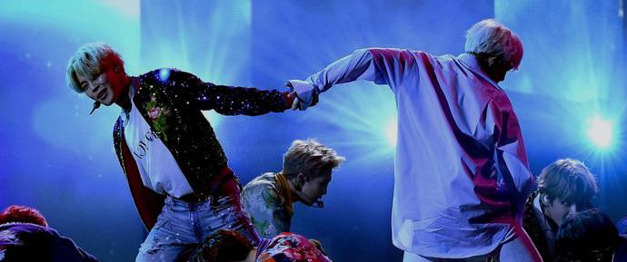 🎥 Artistas postam vídeos da apresentação de BTS