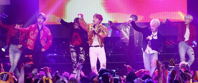 📷 BTS @ Dick Clark's New Year's Rockin' Eve