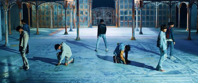 'FAKE LOVE' mostra que o BTS não é apenas um grupo, e sim uma experiência completa