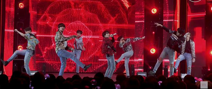 """[BANGTAN BOMB] Apresentação especial de """"Fire"""" (BTS focus)"""