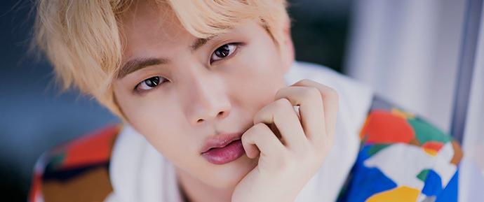 Jin é eleito o idol que é ainda mais bonito pessoalmente!