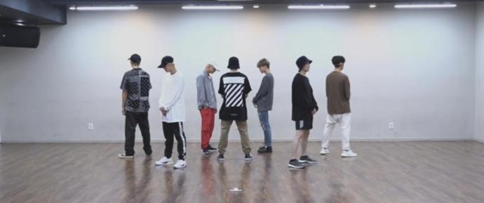 'IDOL' Dance Practice