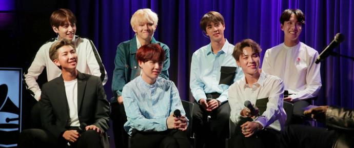 Música, conquistas, fãs: o BTS no Museu do Grammy!