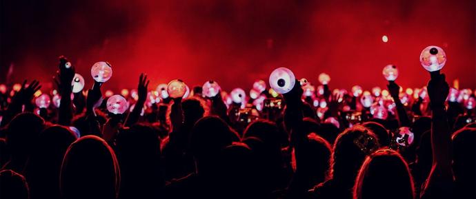 BTS ilumina o palco e seus ARMYs fazem o resto
