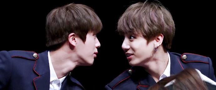"""""""Eu ainda lembro dos olhos dele"""": Jin conta sobre quando viu JungKook pela primeira vez"""