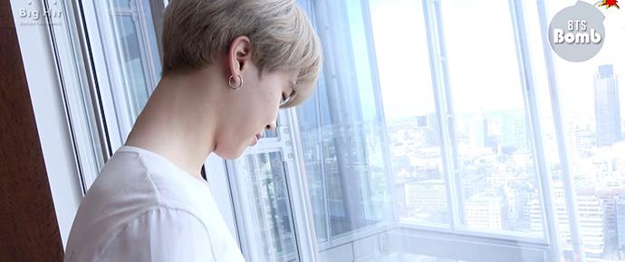 🎥 Em pé na frente para a janela