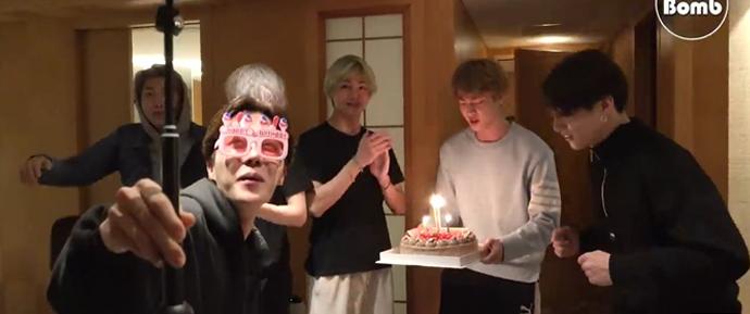 🎥 Festa de aniversário surpresa do Hobi!