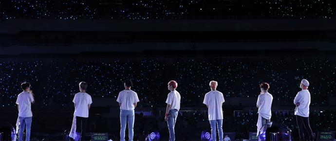 BTS testa os limites da experiência de um show com transmissão ao vivo direto de Londres