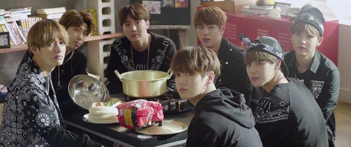 BTS WORLD: Por que pessoas que nem são fãs do BTS ainda estão jogando?