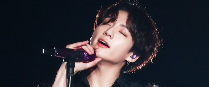 Esse cover do JungKook fez os ARMYs literalmente chorarem com sua voz angelical 😍