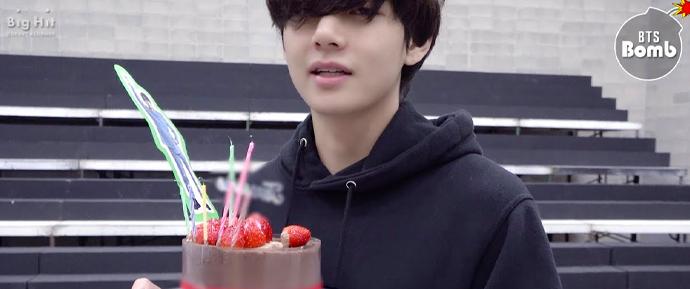 [BANGTAN BOMB] Festa de aniversário surpresa do V