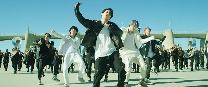 De arrepiar! BTS lança o impressionante Kinetic Manifesto Film: Come Prima para 'ON' 👏
