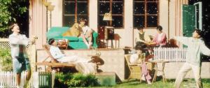O BTS lançou o MV sonhador de 'Stay Gold' e os ARMYs estão encantados com sua beleza 💫