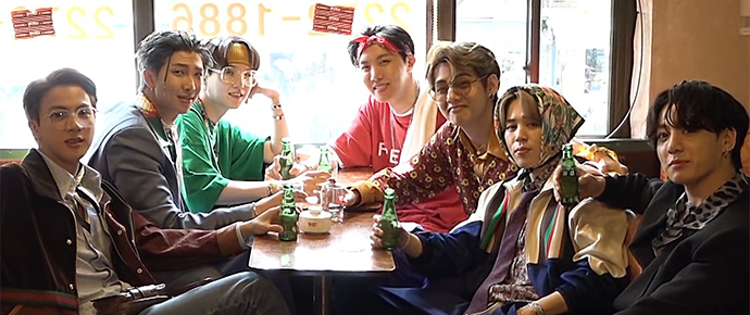 🎥 Prévias do DVD Season's Greetings 2021 – BTS GOES RETRO